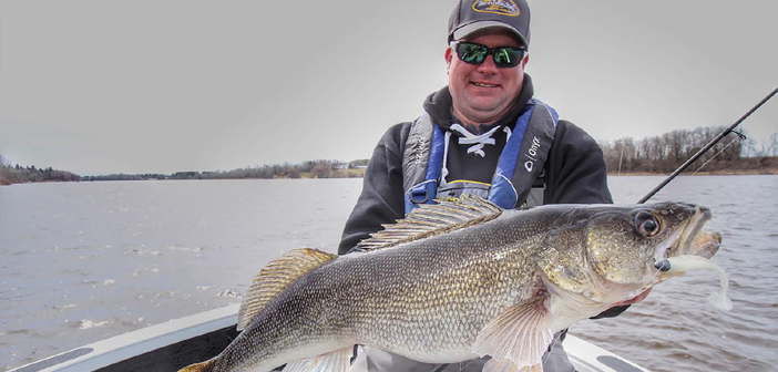 Deadly Jig Dragging Tactics for Rainy River Walleye